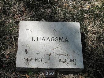 Ids Haagsma Grave